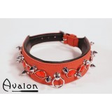 Avalon - Collar med spisse nagler og røde stener - Rød og sort