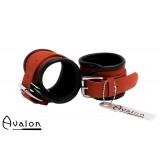Avalon - STARK -  Enkle håndcuffs i rødt og sort lær