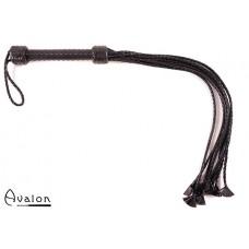Avalon - HYDRA - Svart lang Ni-halet flettet Flogger med Lærstjernetupper