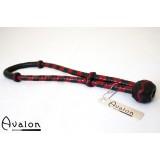 Avalon - Sort  og rød Loop pisk i lær