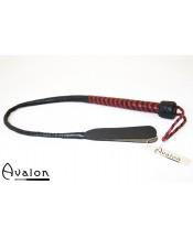 Avalon - Kort bullwhip med dobbel snert - Sort og rød